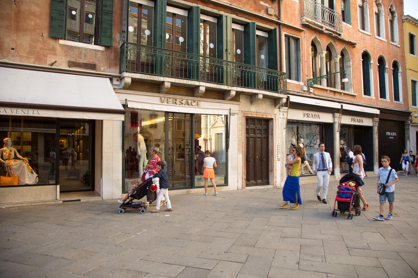 Dure winkels in Venetië